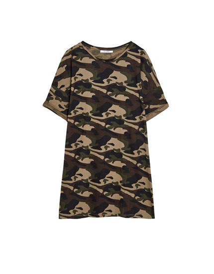 Tricou cu print camuflaj all over