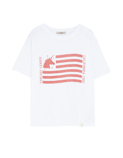 T-shirt with flag and unicorn