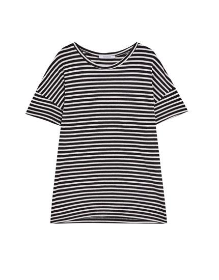 T-shirt à col rond rayé