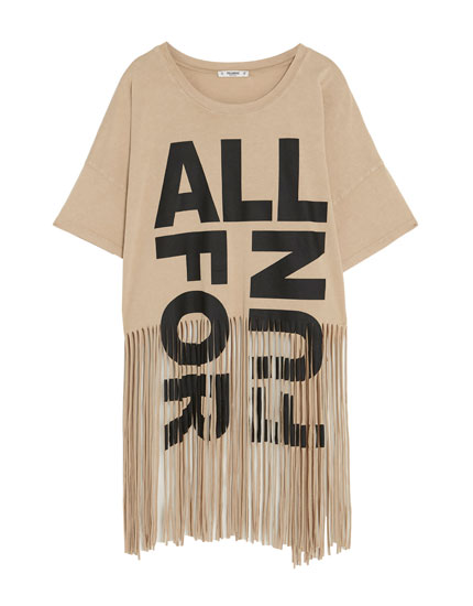 T-shirt with slogan and fringe
