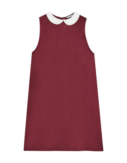 Sleeveless dress with Peter Pan collar