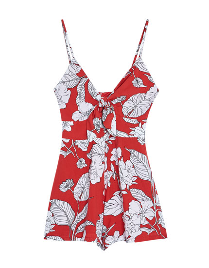 Short jumpsuit with a front knot