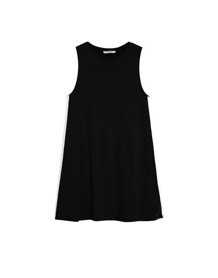 Sleeveless crepe dress