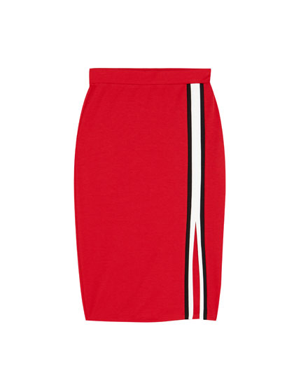 Fitted midi skirt with a slit
