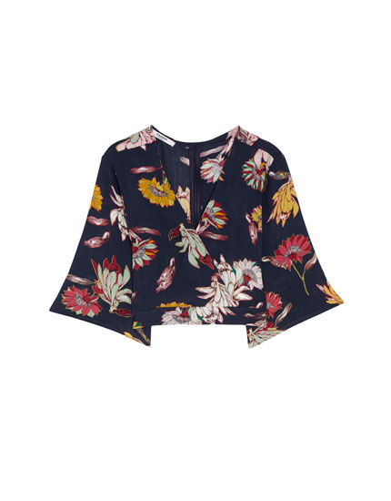 Crossover top with a floral print