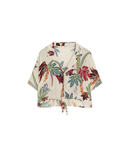 Tropical shirt with knot
