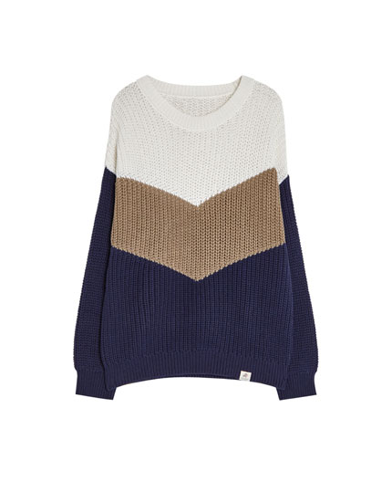 Dreifarbiger Pullover mit Colour-Blocks