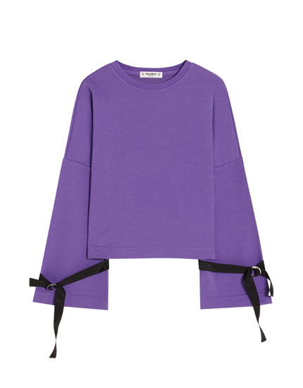 Sweatshirt with sleeve detail