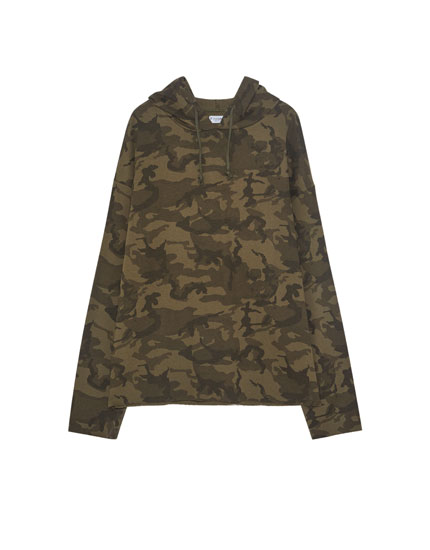 Basic camouflage sweatshirt