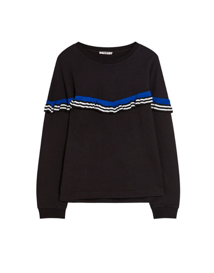 Sweatshirt with V-shaped stripes
