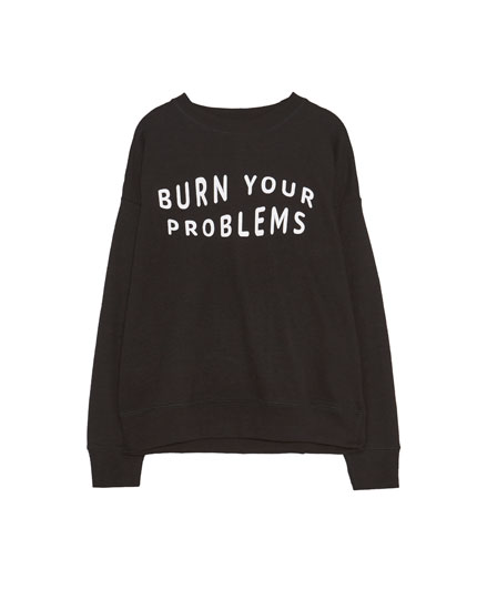 "Hanorac cu text ""Burn your problems"""