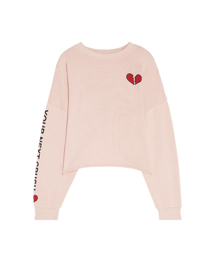 Cropped sweatshirt with heart