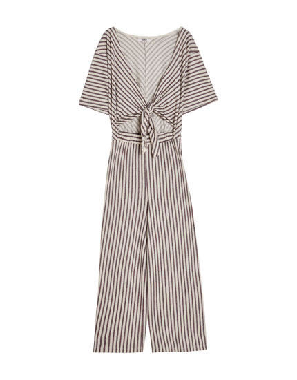 Long jumpsuit with a knot detail