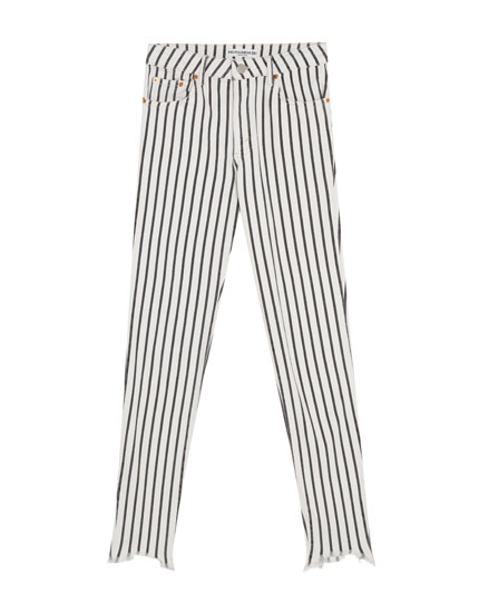 Gestreifte Skinny-Fit-Jeans