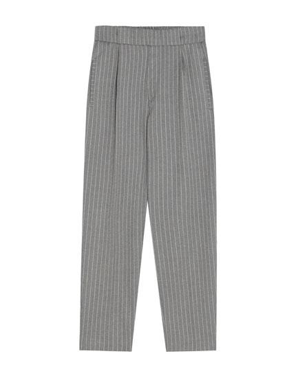 Pantalón tappered clásico