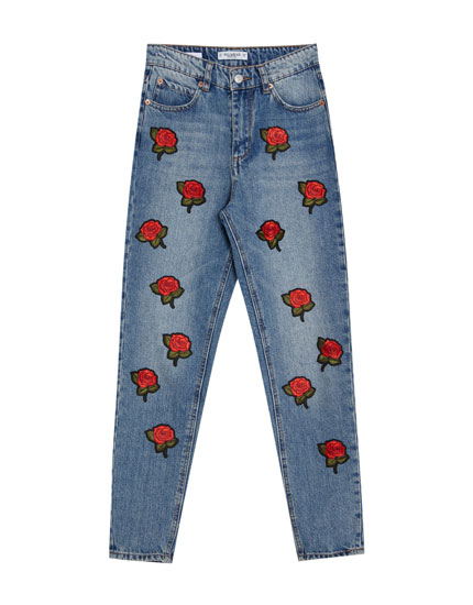 Jean mom fit patchs roses