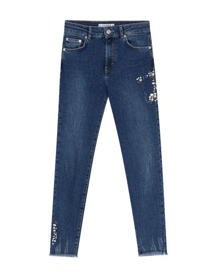 Skinny-Jeans mit Strassbesatz