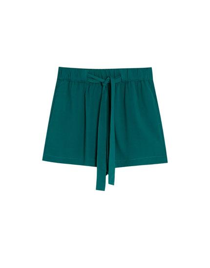 Jogging Bermuda shorts with tie
