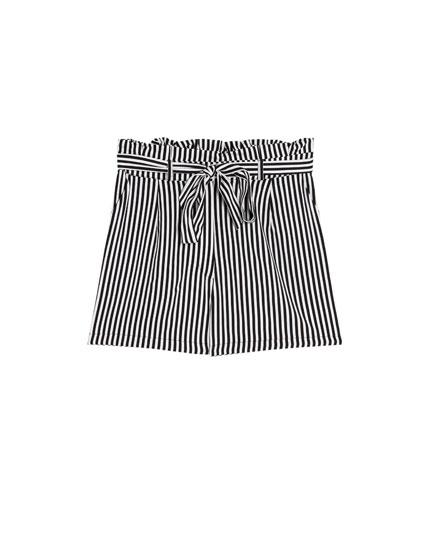 Paperbag Bermuda shorts with belt