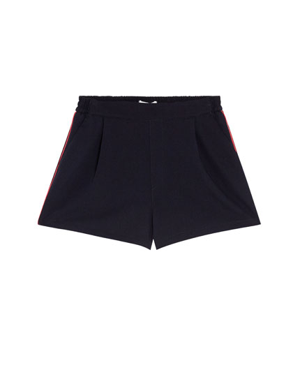 Tailored shorts with side taping