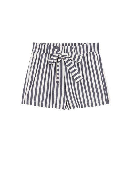 Bermuda shorts with bow and thin navy blue stripes