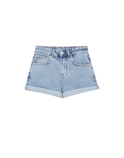 Shorts denim mom fit bajo vuelto