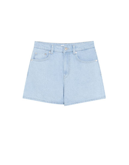 Mom fit denim shorts with rolled-up cuffs