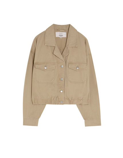 Cropped jacket with lapel