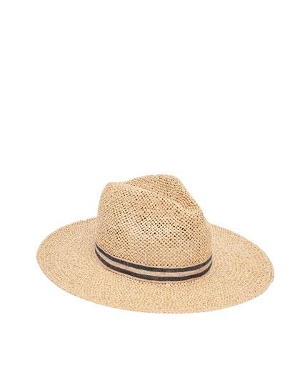 Sombrero rústico con cinta