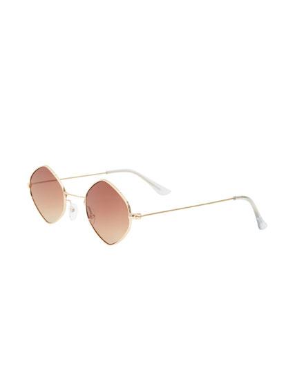 Óculos de sol com forma de losango