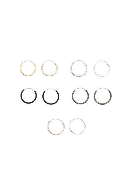 Pack of metal rings