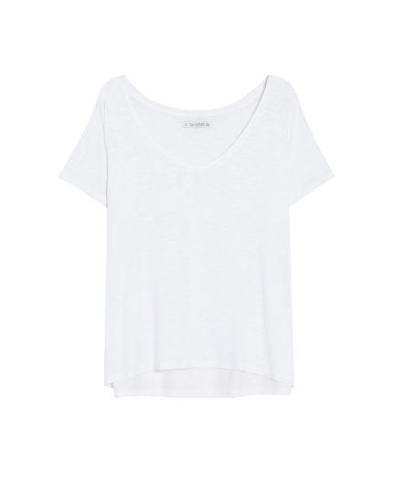 Basic T-shirt with side vents