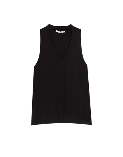 Sleeveless choker neck top
