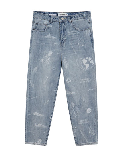 Mom jeans with an all-over print