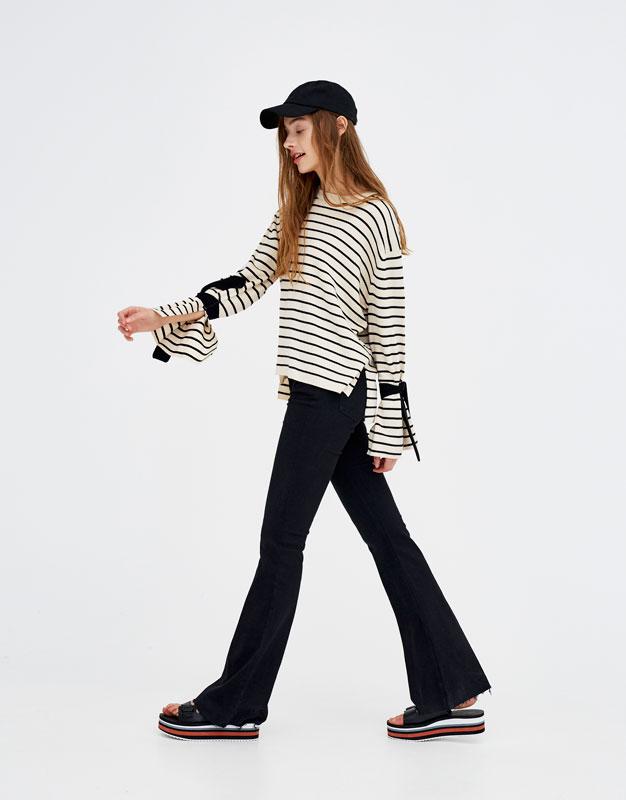 47c4074ff92 Shoptagr | Jeans De Campana Tiro Medio by Pull & Bear