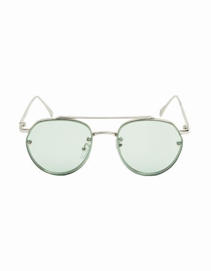 Vintage-style aviator sunglasses