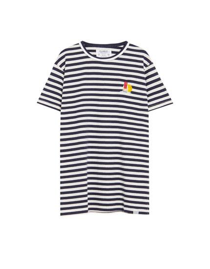 Camiseta de rayas en varios colores