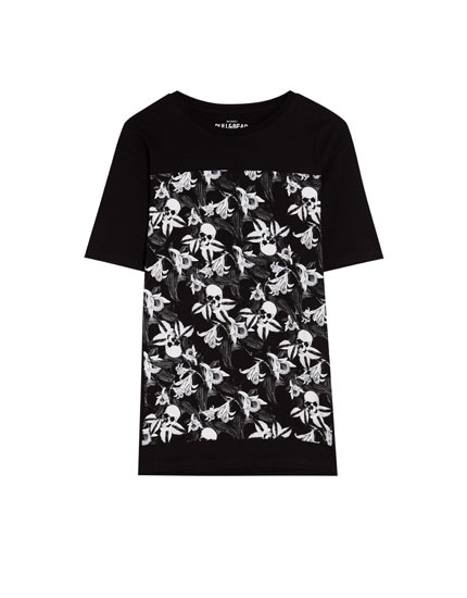 Skull and flower T-shirt
