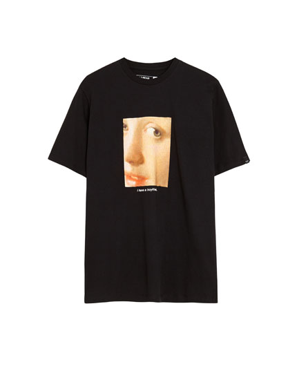 Short sleeve T-shirt with a picture appliqué