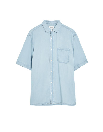 Short sleeve denim shirt with pocket