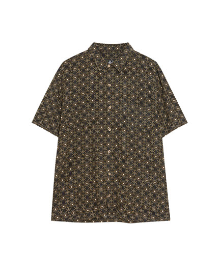 Short sleeve black shirt with print