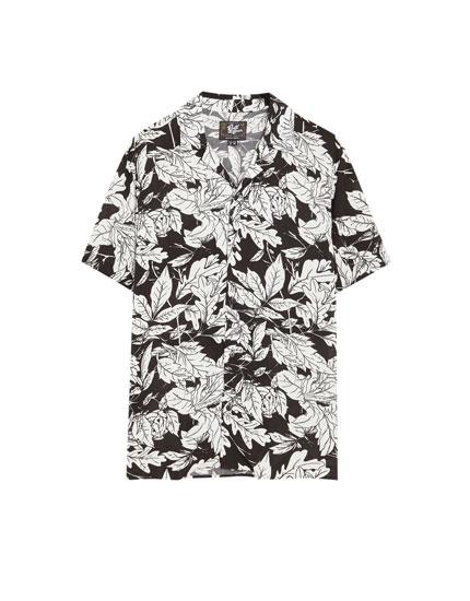 Camisa viscosa manga corta flores