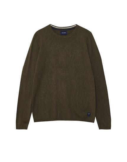 Vienkāršs džemperis ar 'herringbone' apkakli