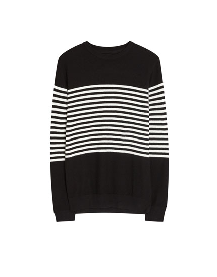 Sweater with stripes in the centre
