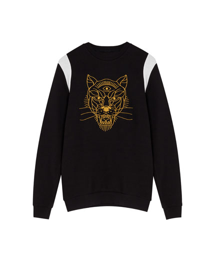 Sweatshirt with embroidered tiger