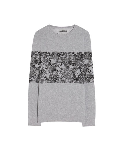 Sweatshirt with skull panels
