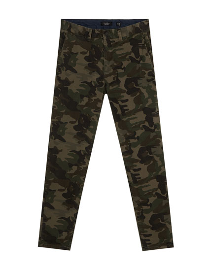 Camouflage chino trousers