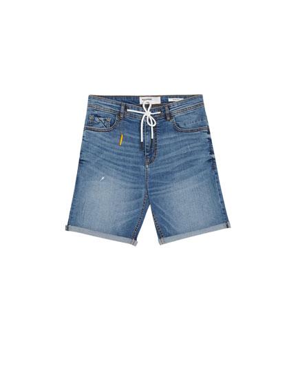 Mittelblaue Skinny-Fit Bermudashorts aus Jeansstoff