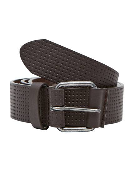 Belt with metallic buckle