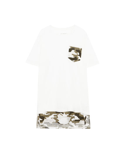 Camouflage print T-shirt with pocket